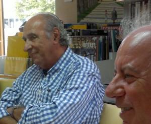 Bernard Cazaubon en dédicace à Tresses et son éditeur Patrick Olaya Photo: Valérie Doulevant
