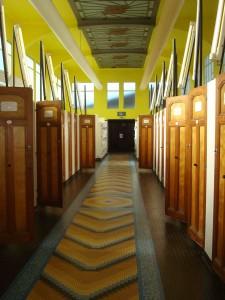 Couloirs central menant aux cabines, dont l'essentiel de la structure a été conservée Photo: Valérie Doulevant